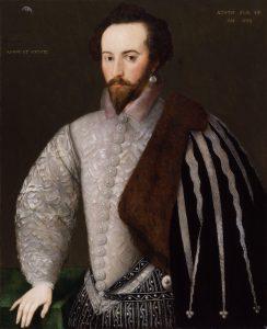 Walter Raleigh, participante en la masacre de Smerwick.